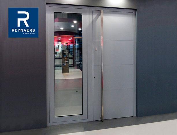 Reynaers CS 86 HI Panel Doors-1